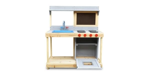 Dřevěná kuchyňka s tabulí