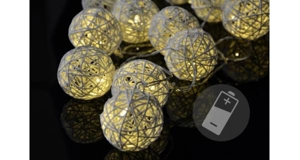 Řetěz ratanové koule 20 LED