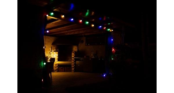 Světelný párty řetěz 50 LED - barevná